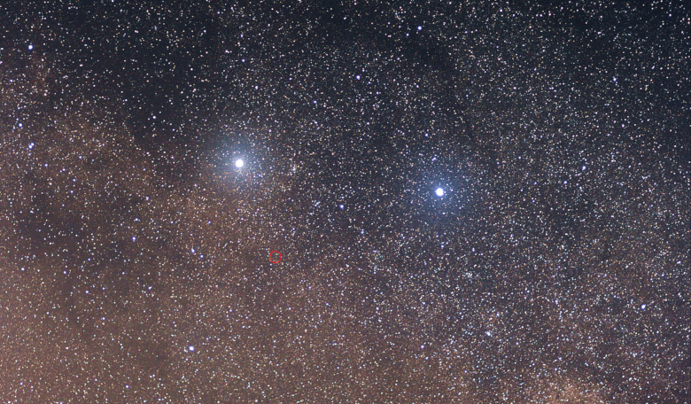 Alpha Centauri A is the bright star to the left, which forms a triple star system with Proxima Centauri, circled in red. The bright star system to the right is Beta Centauri. Image: Wikimages