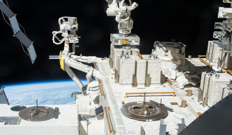 The bacterial exposure experiment took place from 2015 to 2018 using the Exposed Facility located on the exterior of Kibo, the Japanese Experimental Module of the International Space Station. Image: JAXA/NASA