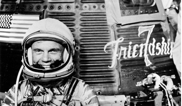 Discovery space shuttle, Friendship 7, John Glenn, Mercury 7, Oldest person in space