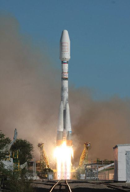 Liftoff-of-the-Soyuz-with-six-Globalstar-2-satellites-from-Baikonur-on13-July-2011.jpg
