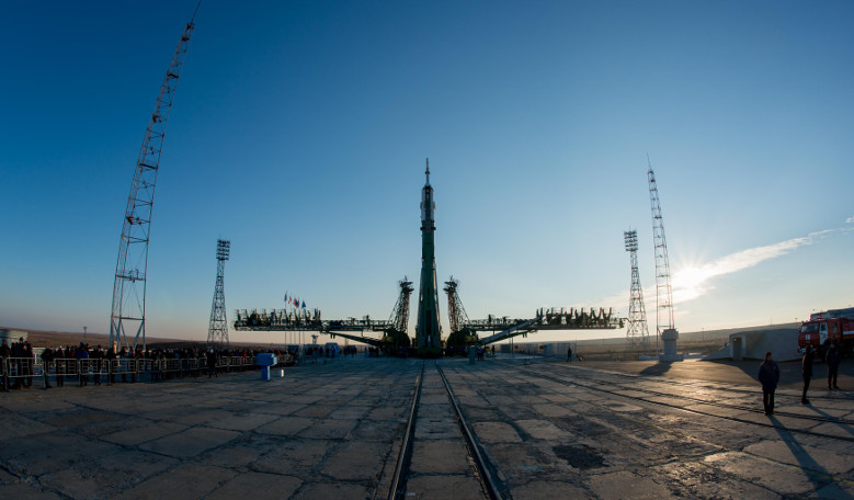 Soyuz rocket gets ready for its launch to the ISS tomorrow -  Image: ESA–Manuel Pedoussaut