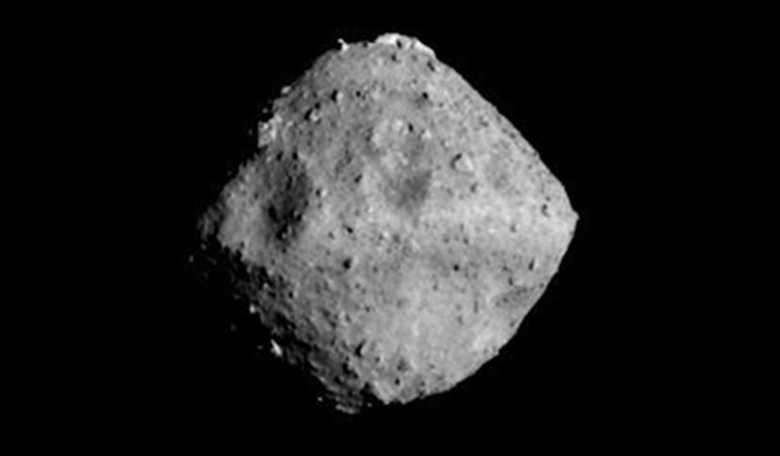 Hayabusa 2 snaps this image of the diamond-shaped asteroid Ryugu at a distance of about 40 kilometres away. Image: Japan Aerospace Exploration Agency (JAXA)