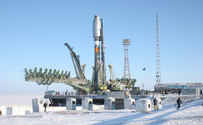 Soyuz-on-the-launch-pad-at-Baikonur-cosmodrome1.jpg