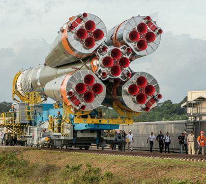Soyuz-roll-out-Guiana-Space-Centre.jpg