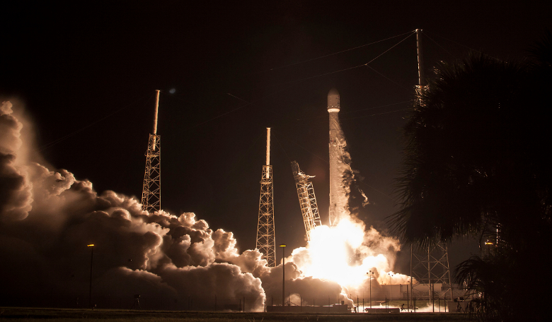 SpaceX's JCSAT-16 launches from the Space Launch Complex at Cape Canaveral Air Force Station, Florida on 14th August, 2016. Image: SpaceX