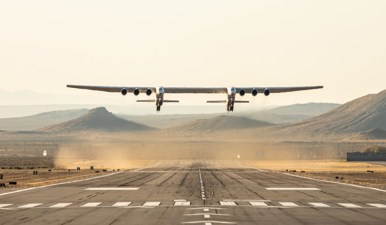Stratolaunch takes to the skies in its maiden flight at the Mojave Air and Space Port. Image: Stratolaunch