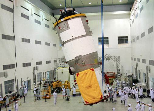 Tiangong-1-during-ground-tests-before-its-launch-on-29-September-2011.jpg