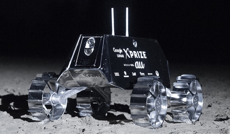 Team Hakuto of Japan is developing a rover that it will fly to the Moon on a lander built by another Google Lunar XPRIZE competitor, TeamIndus.