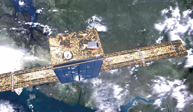 The proof-of-concept satellite mission, ICEYE-X1, was launched on ISRO's PSLV-C40 rocket in January 2018 to become the world's first orbiting microsatellite equipped with synthetic aperture radar and also Finland's first commercial satellite.