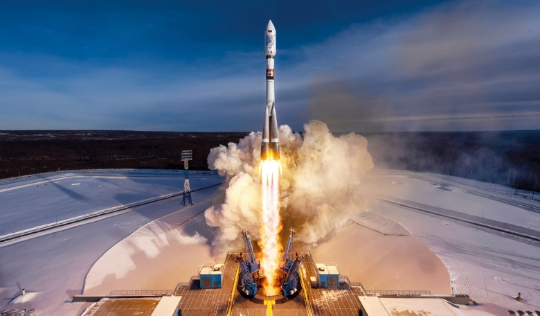 A Soyuz 2.1A rocket lifts off on 27 December from Vostochny Cosmodrome carrying a pair pf Kanopus-V remote sensing satellites and a secondary payload of 26 smallsats arranged by GK Launch Services.