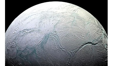 Saturn's moon, Enceladus, could have global ocean currents like those found on Earth, a new study says. Image: NASA