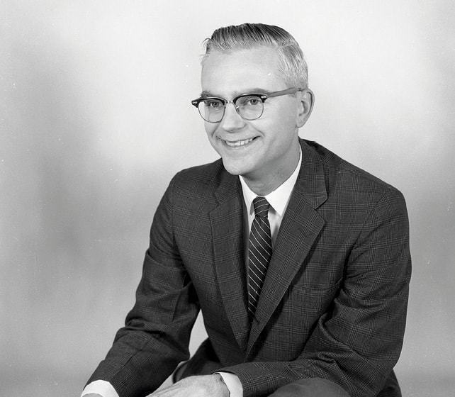 Le jeune Frank Drake a été l'un des premiers radio-astronomes de la NRAO à Greenbank en Virginie-Occidentale en 1958