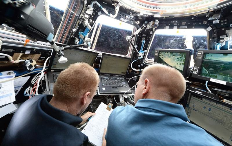 issue9-astronauts-tim-peake-and-tim-kopra-at-work-on-the-international-space-station.jpg