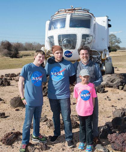 issue9-ian-cion-and-young-artists-on-location-at-nasa-is-johnson-space-center.jpg