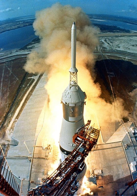 issue9-saturn-v-launch-in-july-1969-of-the-first-apollo-lunar-landing-mission.jpg