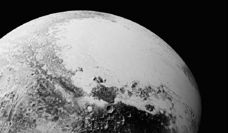 A synthetic perspective view of Pluto, based on the latest highresolution images to be downlinked from NASA's New Horizons spacecraft, looking northeast over the dark, cratered, informally named Cthulhu Regio toward the bright, smooth, expanse of icy plai