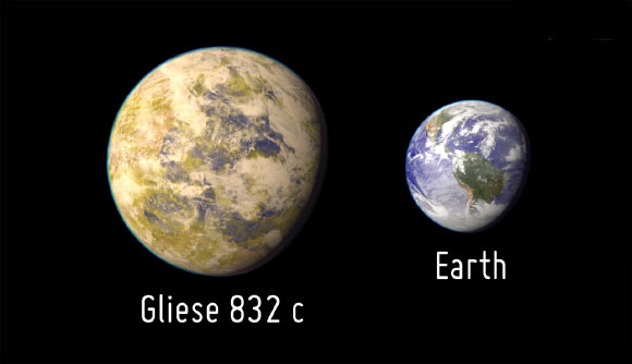 Artistic representation of the exoplanet Gliese 832c as compared with Earth. Image credit: PHL / UPR Arecibo.