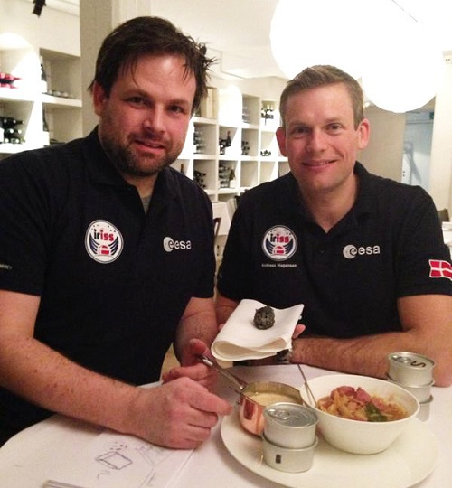 Thorsten Schmidt Andreas Mogensen planning the ISS meal