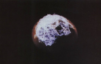 High altitude (48 km) nuclear explosion Bluegill Triple Prime from Operation Fishbowl nuclear test series,. Yield believed to be 0.2-0.4 megaton TNT-equivalent. Duration of flash about 0.15 second. This is more or less what a space nuclear explosion would look like, an expanding bubble of hot glowing plasma