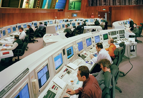 The Main Control Room at ESA's Space Operations Centre in Darmstadt (2002)